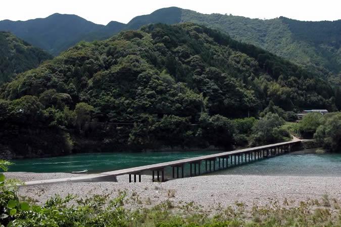 勝間(鵜の江)沈下橋